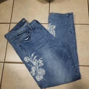 Ruff Hewn floral embroidered denim Jeans EUC
